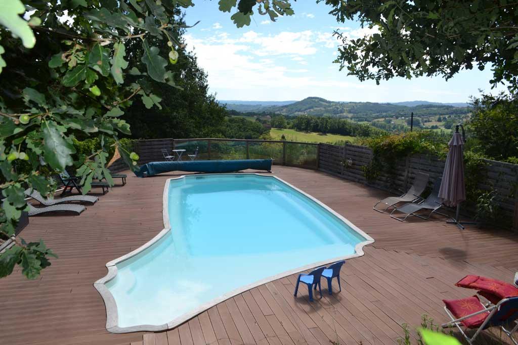 Gite avec piscine collonges la rouge g tes beaulieu sur - Gite pyrenees orientales avec piscine ...